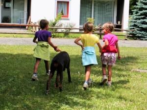 Доберман и дети